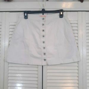 Blush sneak  peek USAwhite mini skirt sz medium *Y